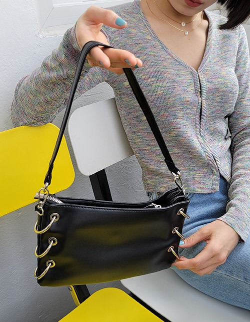 six O-ring shoulder bag